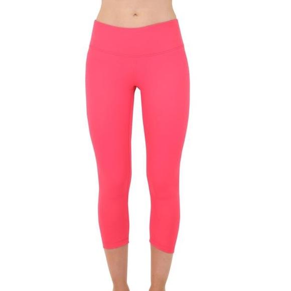 3121a8935c Yogalicious Pants | Ruched Back Capris | Poshmark
